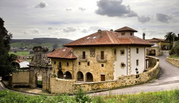 02 El Palacio de la Conquista Real-Quality