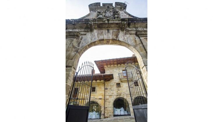 03 El Palacio de la Conquista Real-Quality
